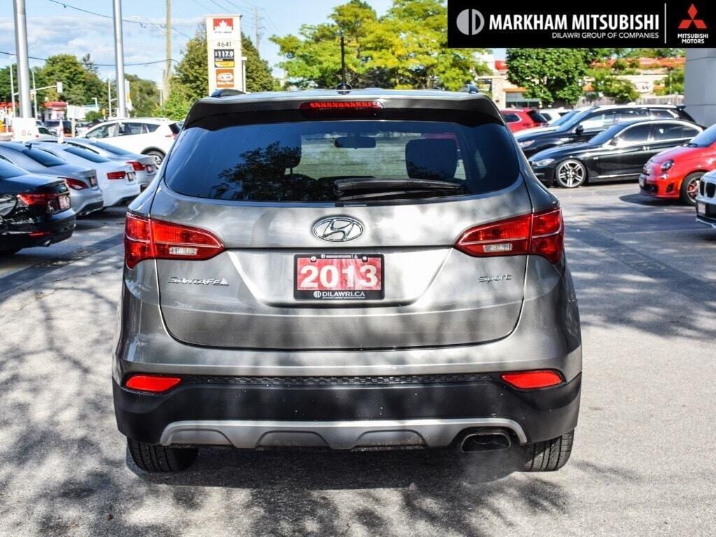2013 Hyundai Santa Fe 2.4L FWD in Markham, Ontario - 5 - w1024h768px