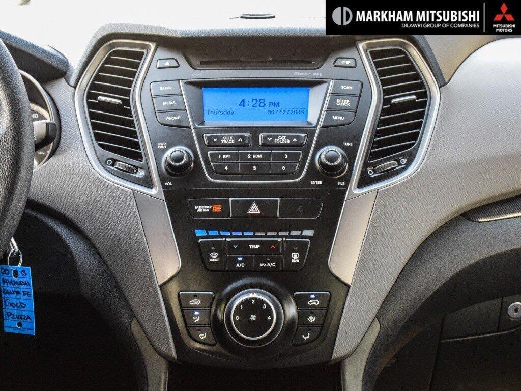 2013 Hyundai Santa Fe 2.4L FWD in Markham, Ontario - 18 - w1024h768px
