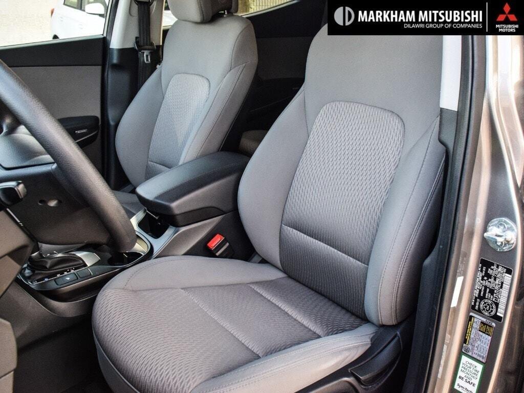 2013 Hyundai Santa Fe 2.4L FWD in Markham, Ontario - 9 - w1024h768px