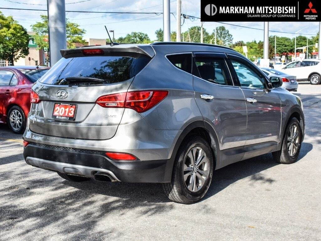 2013 Hyundai Santa Fe 2.4L FWD in Markham, Ontario - 4 - w1024h768px