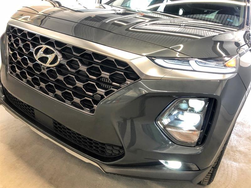 2019 Hyundai Santa Fe Ultimate AWD 2.0T in Regina, Saskatchewan - 18 - w1024h768px