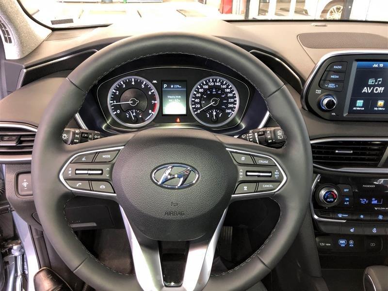 2019 Hyundai Santa Fe Preferred AWD 2.0T Panoramic Sunroof in Regina, Saskatchewan - 7 - w1024h768px