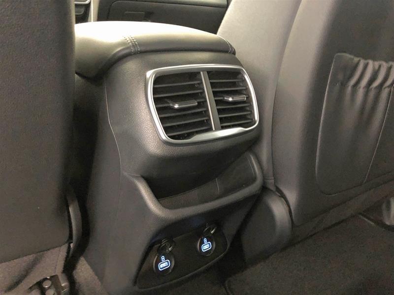 2019 Hyundai Santa Fe Preferred AWD 2.4L in Regina, Saskatchewan - 13 - w1024h768px
