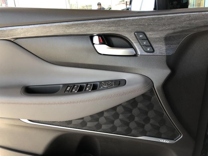 2019 Hyundai Santa Fe Ultimate AWD 2.0T Dark Chrome in Regina, Saskatchewan - 6 - w1024h768px