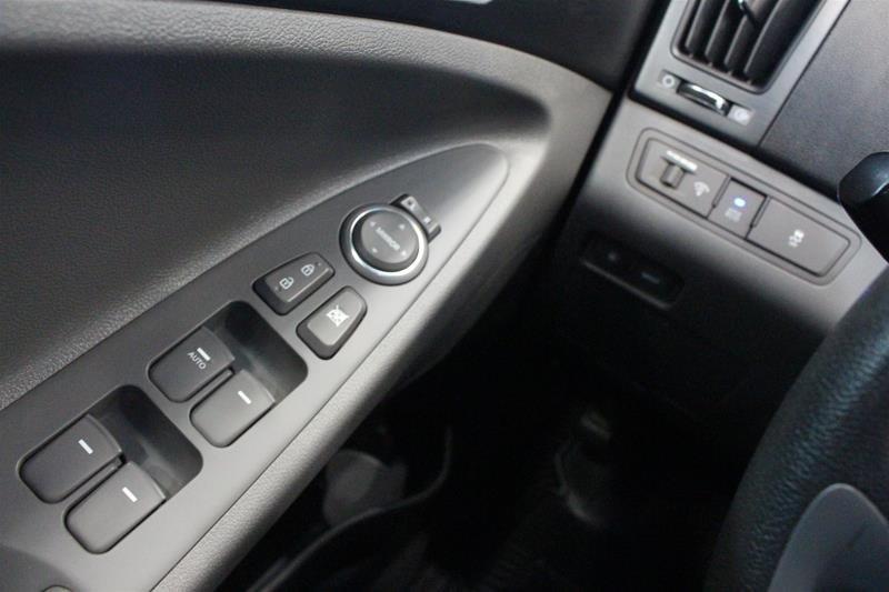 2013 Hyundai Sonata GLS at in Regina, Saskatchewan - 3 - w1024h768px