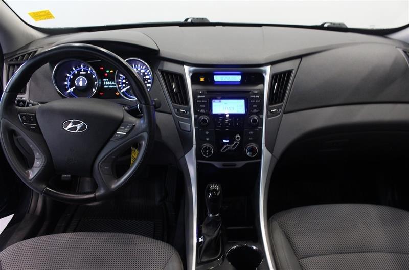 2013 Hyundai Sonata GLS at in Regina, Saskatchewan - 12 - w1024h768px