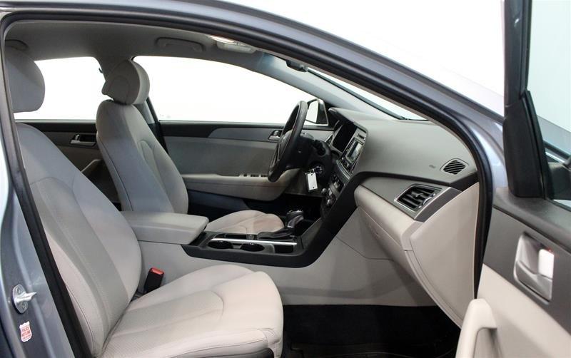 2015 Hyundai Sonata GL at in Regina, Saskatchewan - 15 - w1024h768px