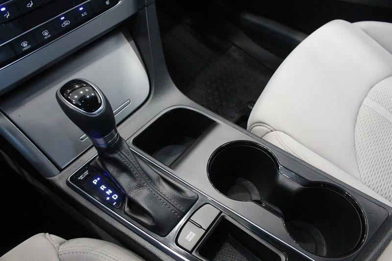 2015 Hyundai Sonata GL at in Regina, Saskatchewan - 4 - w1024h768px
