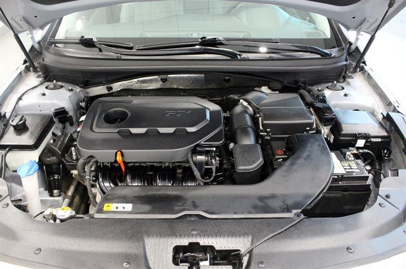 2015 Hyundai Sonata GL at in Regina, Saskatchewan - 18 - w1024h768px