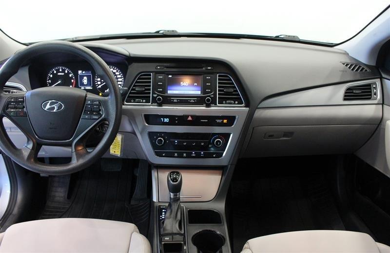 2015 Hyundai Sonata GL at in Regina, Saskatchewan - 14 - w1024h768px