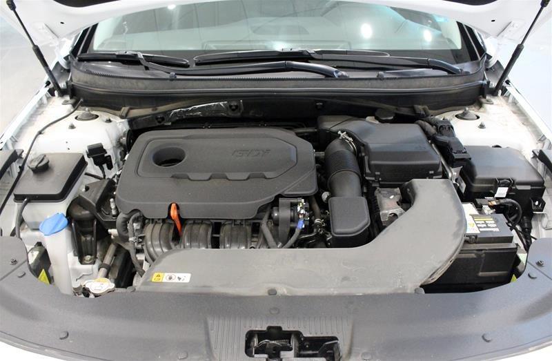 2017 Hyundai Sonata Limited in Regina, Saskatchewan - 19 - w1024h768px