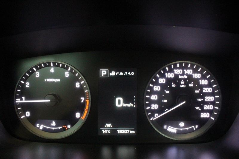 2017 Hyundai Sonata Limited in Regina, Saskatchewan - 2 - w1024h768px