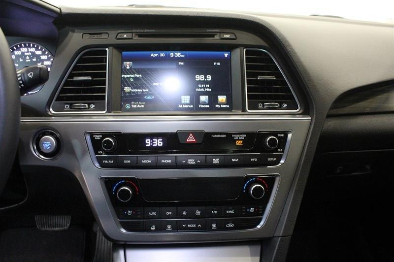 2017 Hyundai Sonata Limited in Regina, Saskatchewan - 7 - w1024h768px