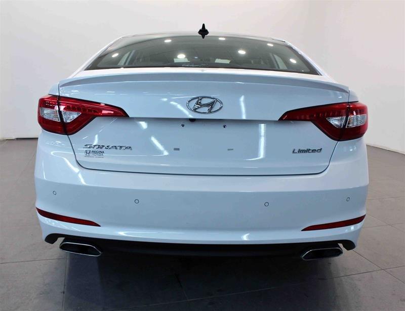 2017 Hyundai Sonata Limited in Regina, Saskatchewan - 21 - w1024h768px