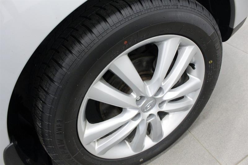 2013 Hyundai Tucson Limited AWD at in Regina, Saskatchewan - 14 - w1024h768px