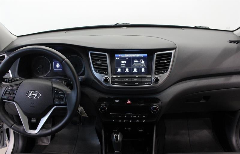 2018 Hyundai Tucson AWD 2.0L SE in Regina, Saskatchewan - 13 - w1024h768px