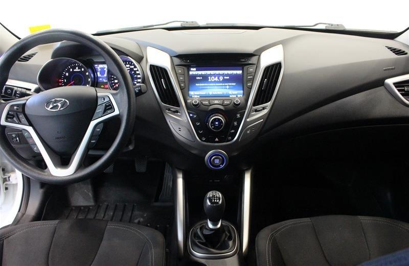 2012 Hyundai Veloster 6sp in Regina, Saskatchewan - 14 - w1024h768px