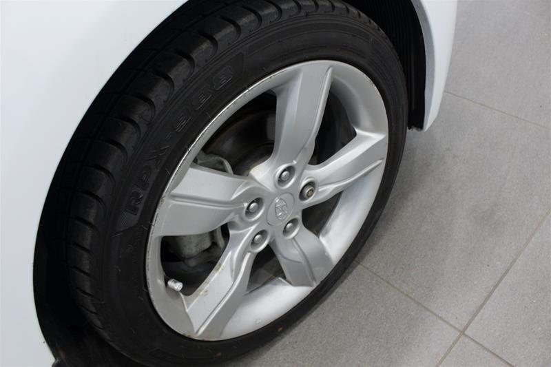 2012 Hyundai Veloster 6sp in Regina, Saskatchewan - 18 - w1024h768px