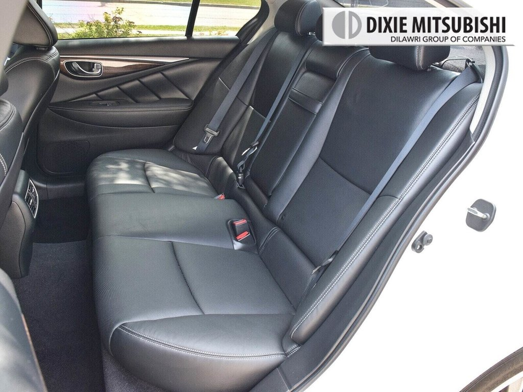 2015 Infiniti Q50 AWD in Mississauga, Ontario - 28 - w1024h768px