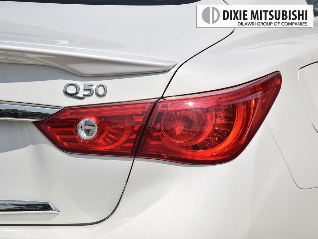 2015 Infiniti Q50 AWD in Mississauga, Ontario - 8 - w1024h768px