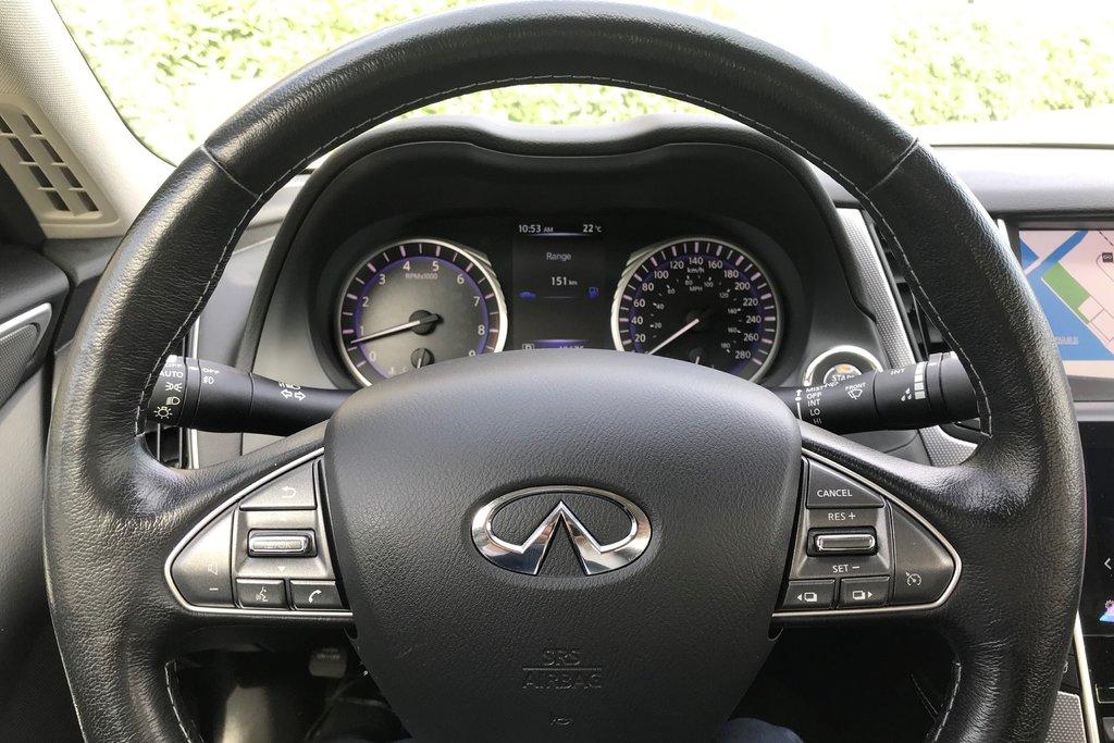 2015 Infiniti Q50 AWD in North Vancouver, British Columbia - 15 - w1024h768px