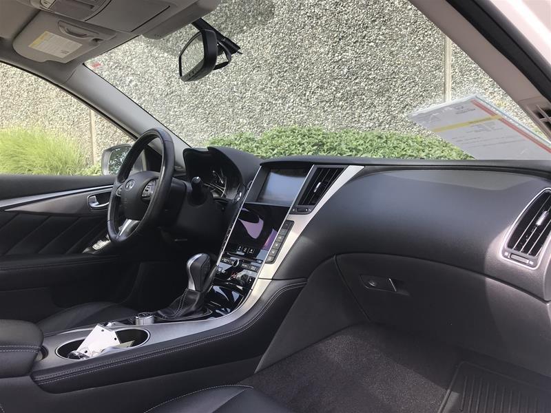 2015 Infiniti Q50 AWD in North Vancouver, British Columbia - 6 - w1024h768px