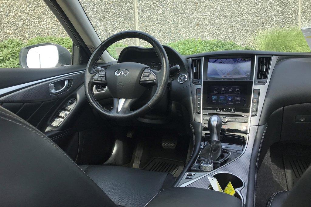 2015 Infiniti Q50 AWD in North Vancouver, British Columbia - 13 - w1024h768px