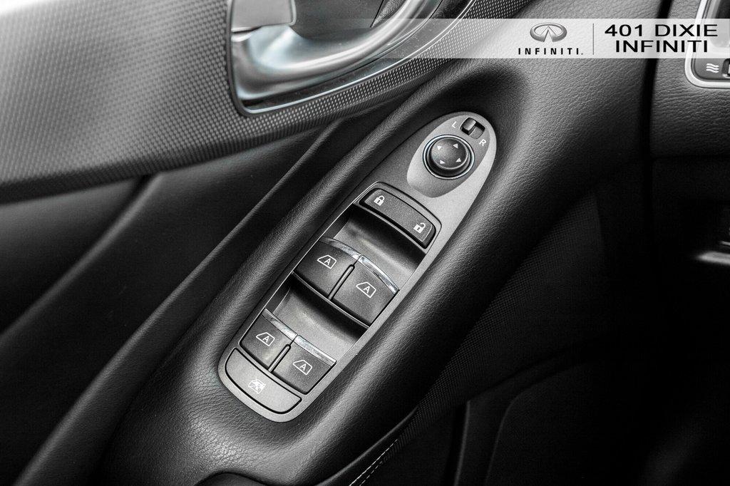 2015 Infiniti Q50 AWD in Mississauga, Ontario - 13 - w1024h768px