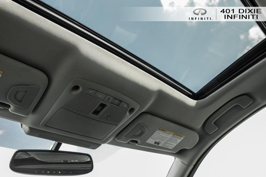 2015 Infiniti Q50 AWD in Mississauga, Ontario - 16 - w1024h768px