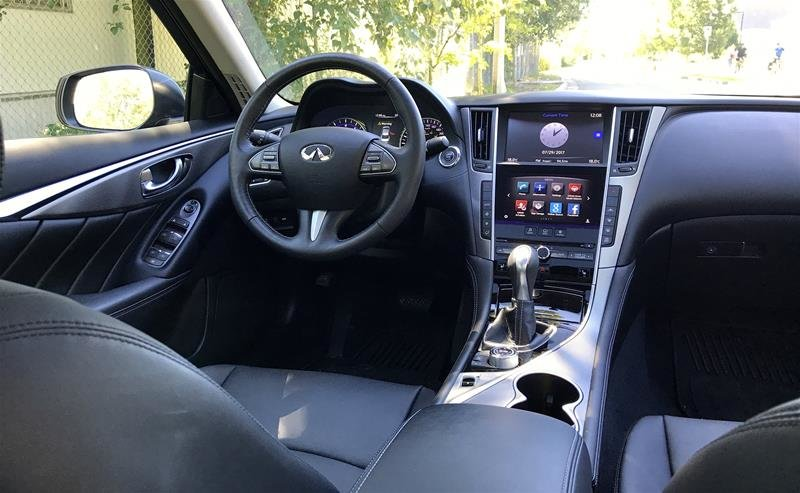 2016 Infiniti Q50 2.0T AWD in North Vancouver, British Columbia - 6 - w1024h768px