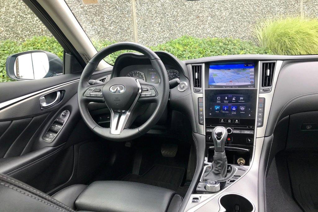 2018 Infiniti Q50 3.0T AWD Signature Edition in North Vancouver, British Columbia - 4 - w1024h768px