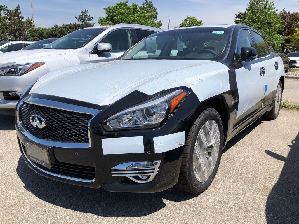 2019 Infiniti Q70 3.7 AWD Luxe in Mississauga, Ontario - 1 - w1024h768px