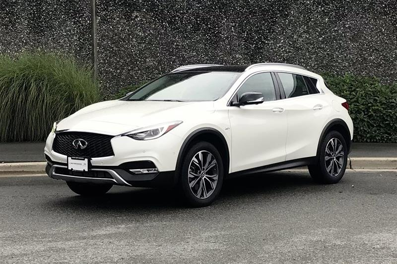 2018 Infiniti QX30 AWD Luxe in North Vancouver, British Columbia - 1 - w1024h768px