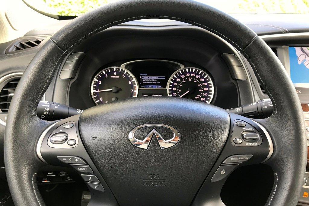 2018 Infiniti QX60 AWD in North Vancouver, British Columbia - 13 - w1024h768px