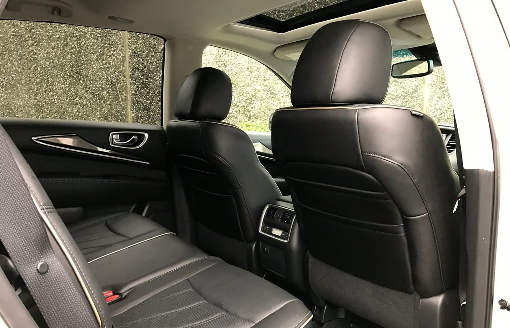 2018 Infiniti QX60 AWD in North Vancouver, British Columbia - 7 - w1024h768px