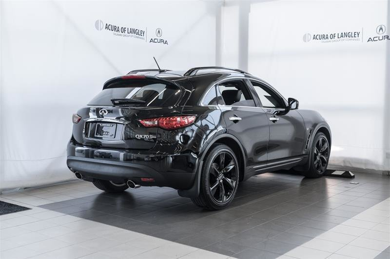 2017 Infiniti QX70 Sport in Langley, British Columbia - 25 - w1024h768px