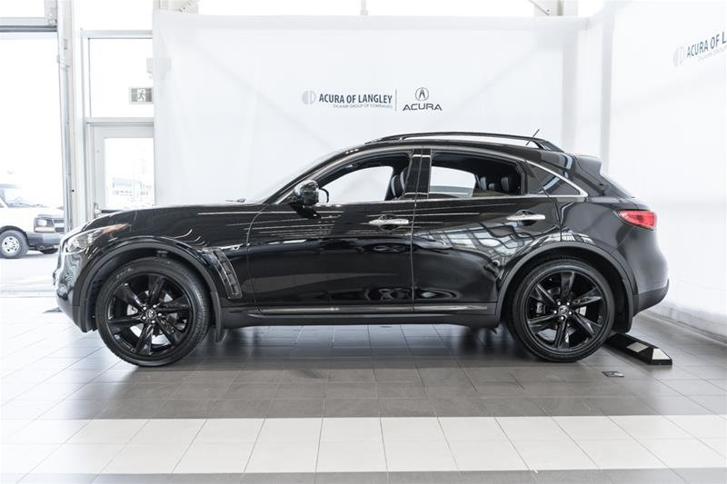 2017 Infiniti QX70 Sport in Langley, British Columbia - 4 - w1024h768px