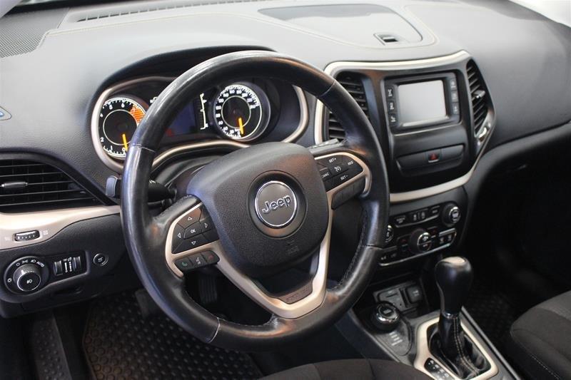 2016 Jeep Cherokee 4x4 North in Regina, Saskatchewan - 8 - w1024h768px
