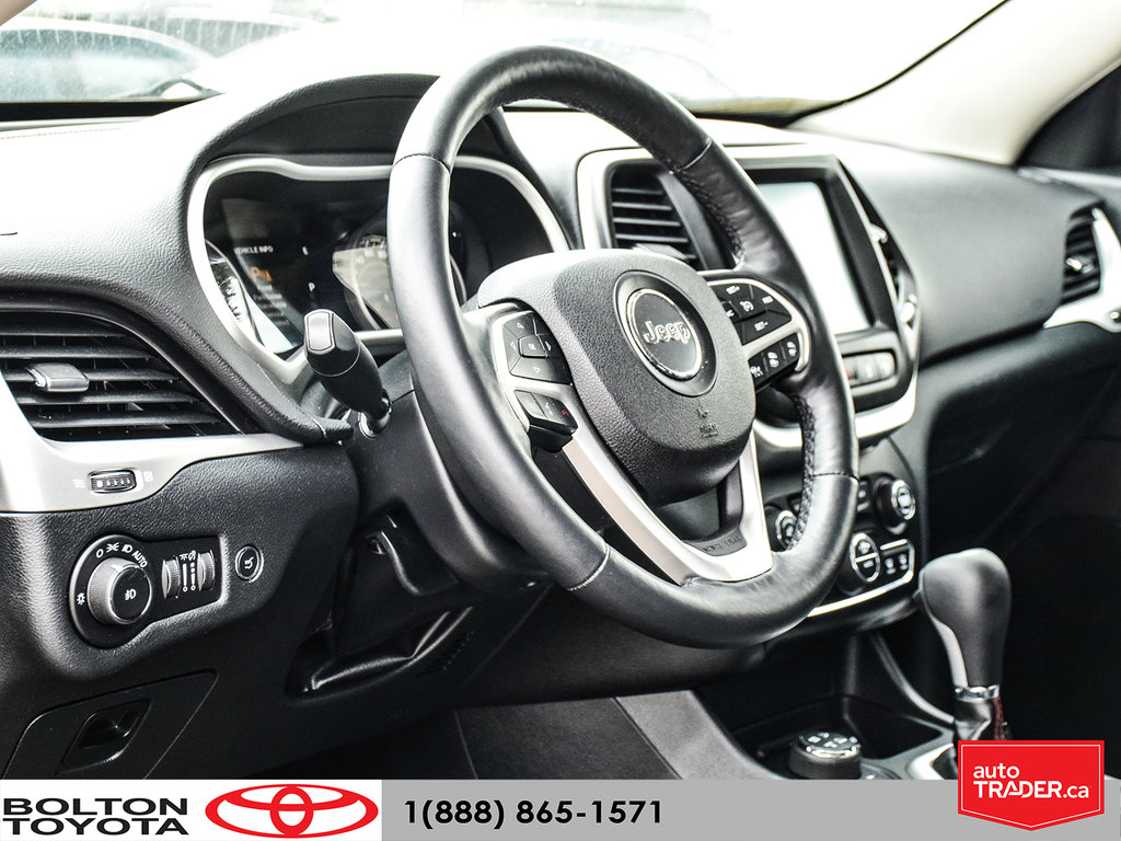2016 Jeep Cherokee 4x4 Trailhawk in Bolton, Ontario - 12 - w1024h768px