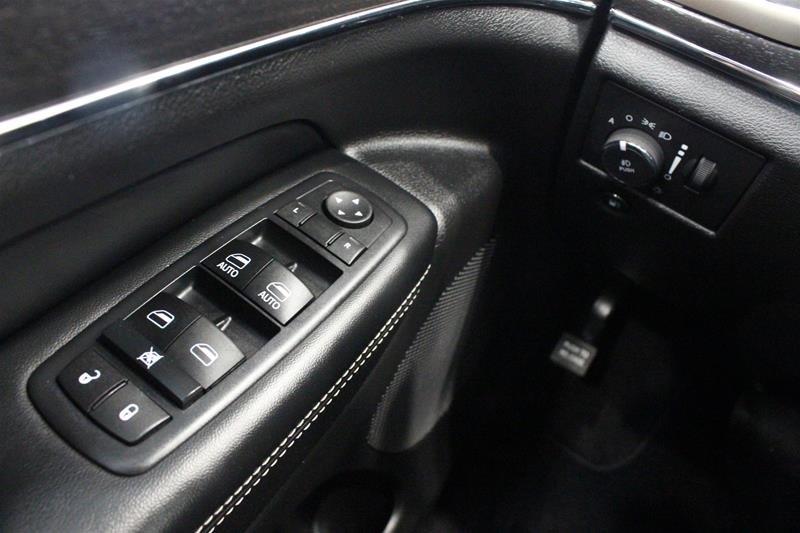 2017 Jeep Grand Cherokee 4X4 Limited in Regina, Saskatchewan - 3 - w1024h768px