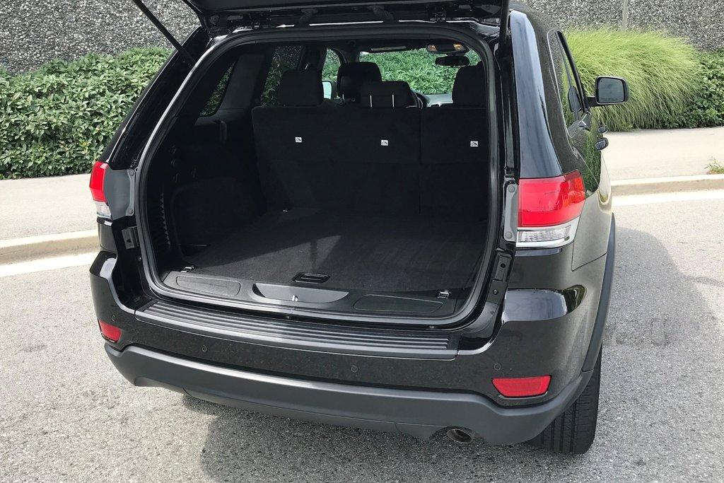 2018 Jeep Grand Cherokee 4X4 Laredo in North Vancouver, British Columbia - 11 - w1024h768px