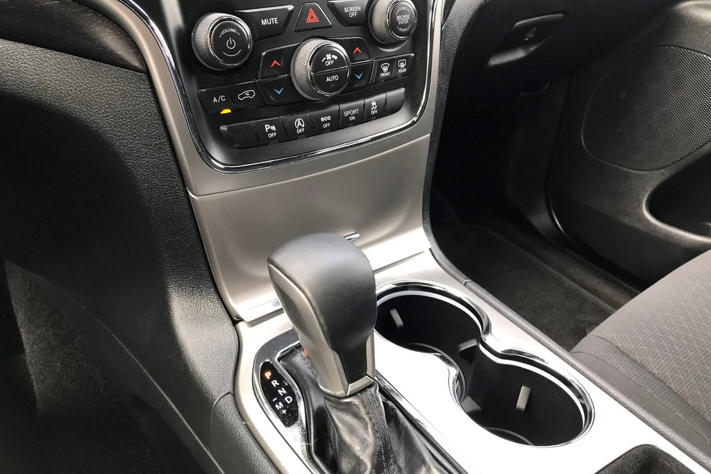 2018 Jeep Grand Cherokee 4X4 Laredo in North Vancouver, British Columbia - 9 - w1024h768px