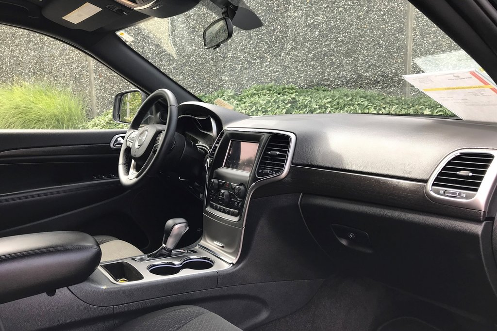 2018 Jeep Grand Cherokee 4X4 Laredo in North Vancouver, British Columbia - 10 - w1024h768px