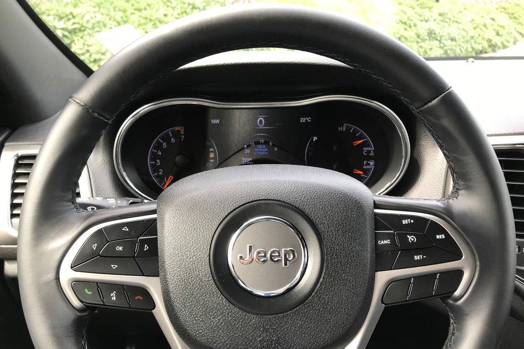2018 Jeep Grand Cherokee 4X4 Laredo in North Vancouver, British Columbia - 6 - w1024h768px