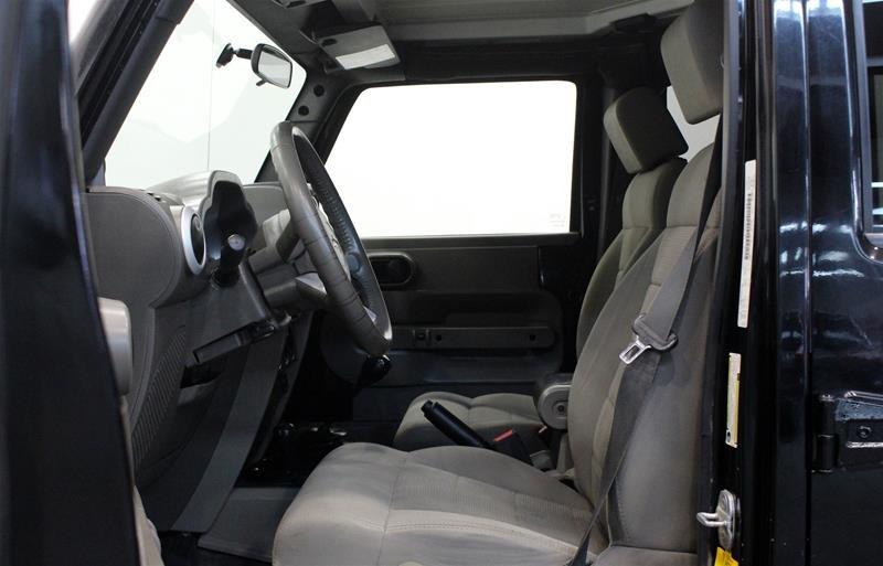 2008 Jeep Wrangler Unlimited Sahara 4D Utility 4WD in Regina, Saskatchewan - 9 - w1024h768px