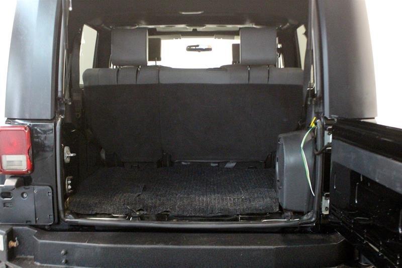 2008 Jeep Wrangler Unlimited Sahara 4D Utility 4WD in Regina, Saskatchewan - 13 - w1024h768px