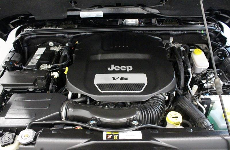 2016 Jeep Wrangler Unlimited Sahara in Regina, Saskatchewan - 16 - w1024h768px