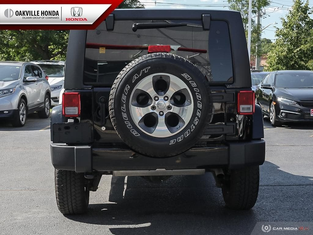 2018 Jeep Wrangler Jk Unlimited Sahara in Oakville, Ontario - 5 - w1024h768px