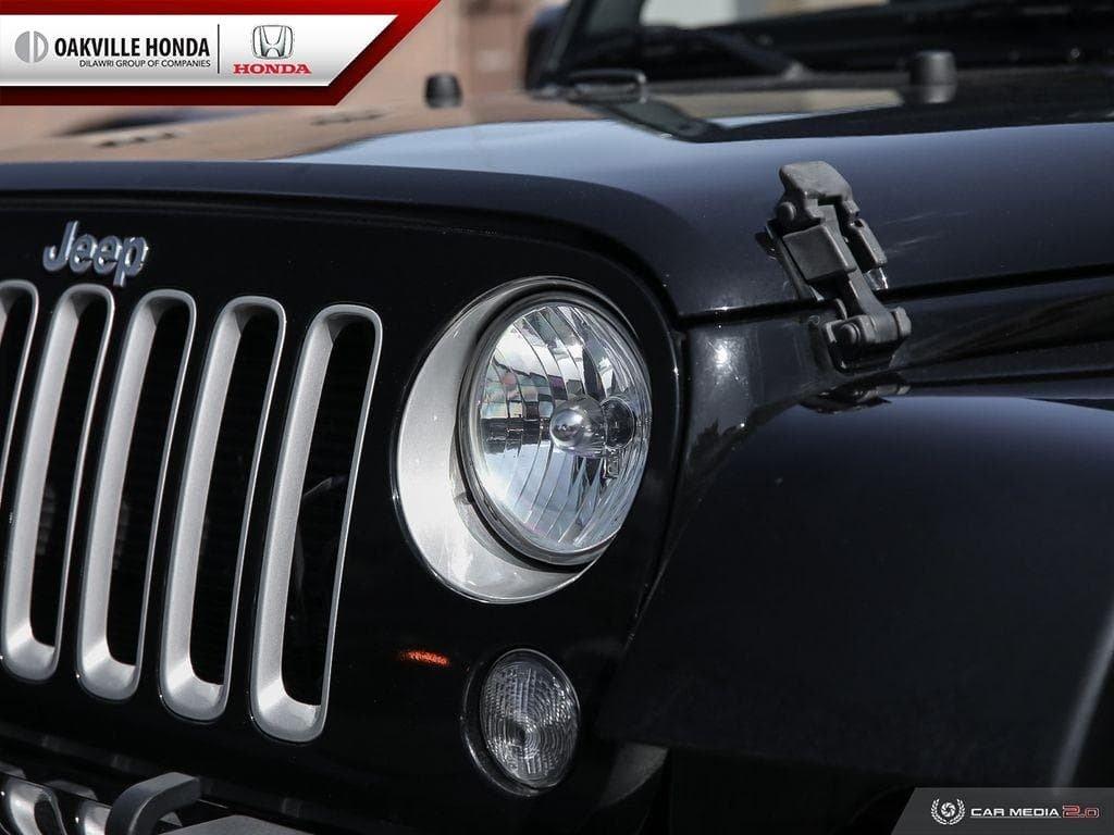 2018 Jeep Wrangler Jk Unlimited Sahara in Oakville, Ontario - 10 - w1024h768px