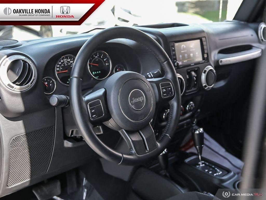 2018 Jeep Wrangler Jk Unlimited Sahara in Oakville, Ontario - 12 - w1024h768px